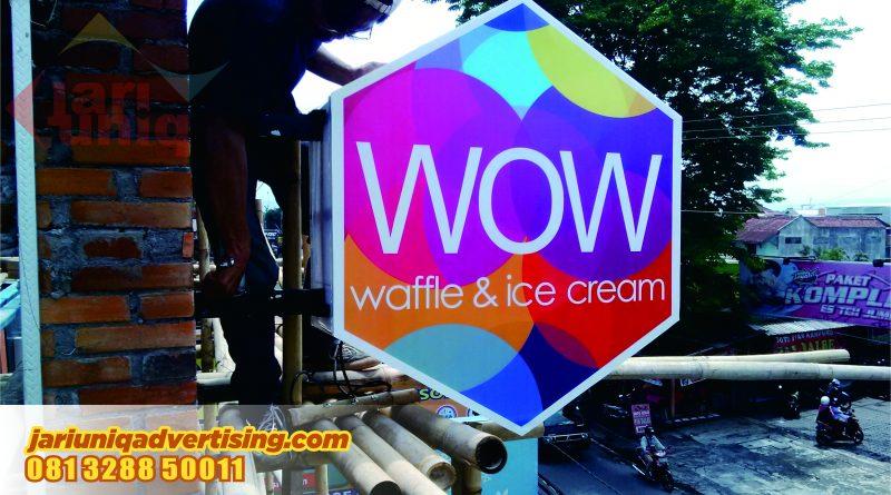 Neon Box WOW Waffle & Ice Cream